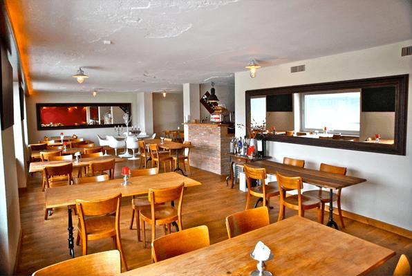 Unser gemütliches Tapas Restaurant liegt im Herzen von Basel direkt am Ufer des Rhein